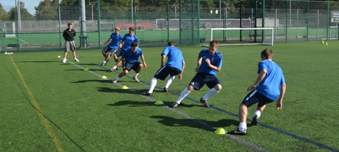energy systems in touch football General objective: students will apply the theoretical components of the energy systems as used in touch football students will develop understanding of the role energy systems and fatigue has on player performance in relation to touch football students will further develop skills and strategic.